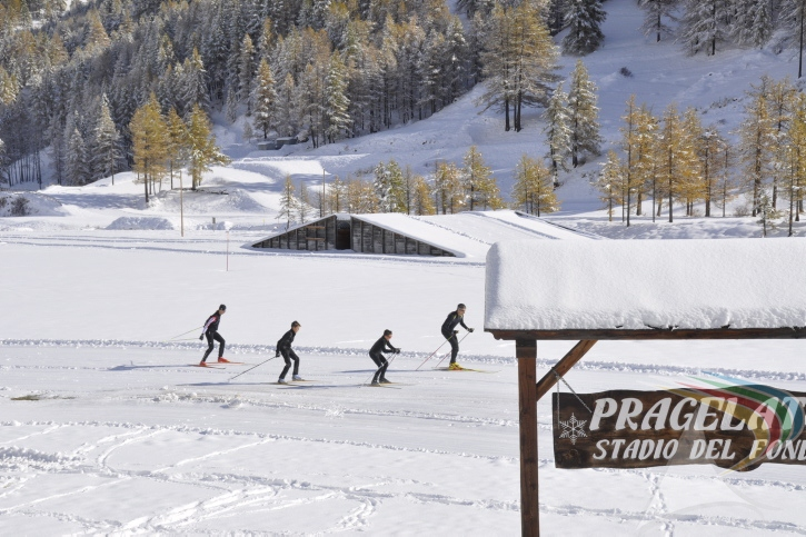 People doing cross country skiing in Pragelato Vialattea Italy